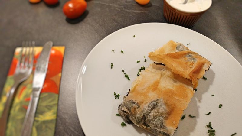 Mangold-Kartoffel-Paprika-Feta-Strudel