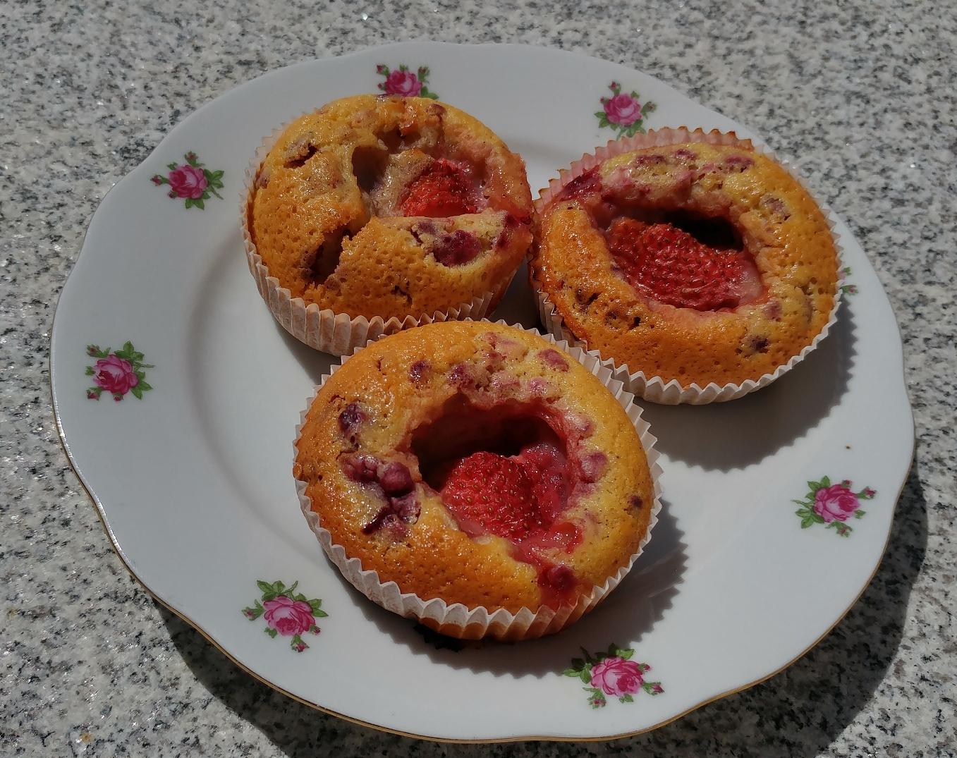 Eierlikör-Himbeer-Muffins